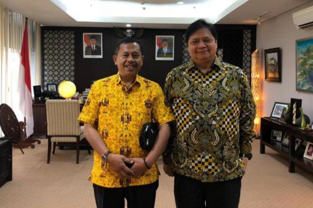 Dr. M Sabil Rachman, M.Si (Baju Kuning) Ketua Bidang Hubungan Ormas bersama Ketum DPP Golkar Airlangga Hartarto, Sumber Poto: Ist