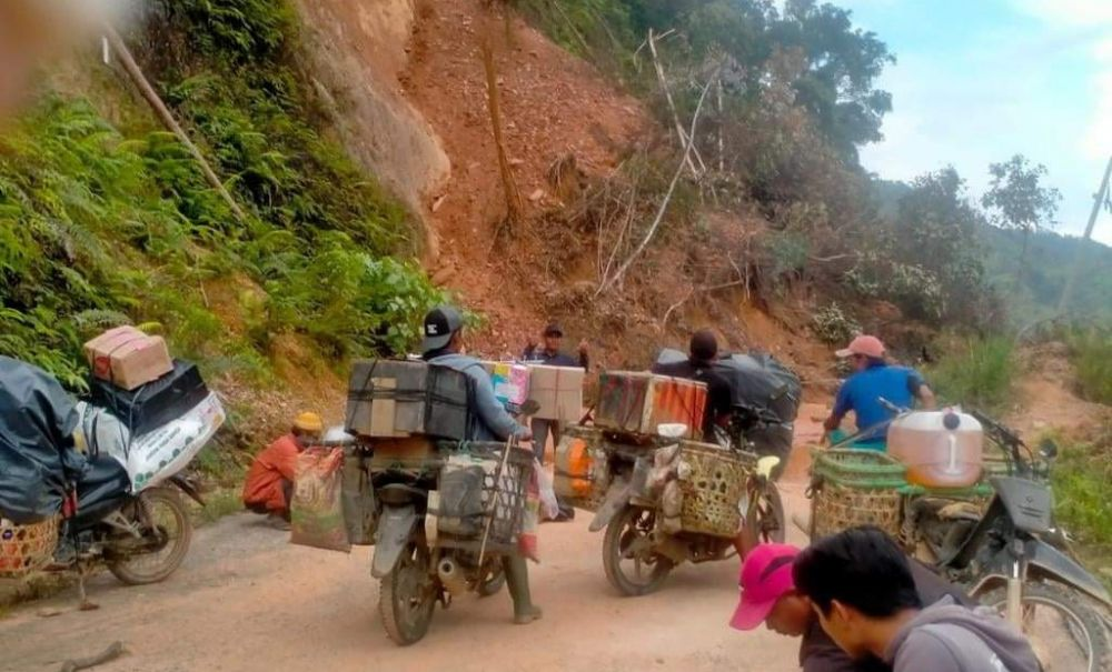 Tampak kondisi titik longsor di Bukit Pecelak, yang terjadi beberapa waktu lalu.